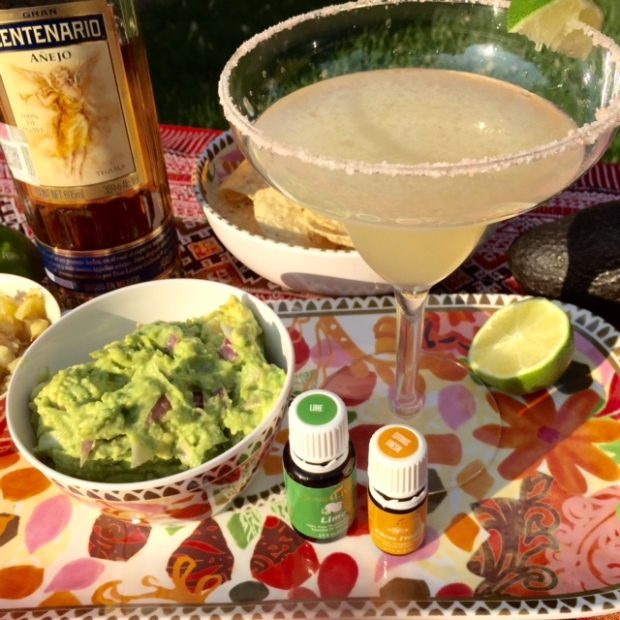 Citrus Fresh Margarita & Guacamole #essentialcocktail #youngliving